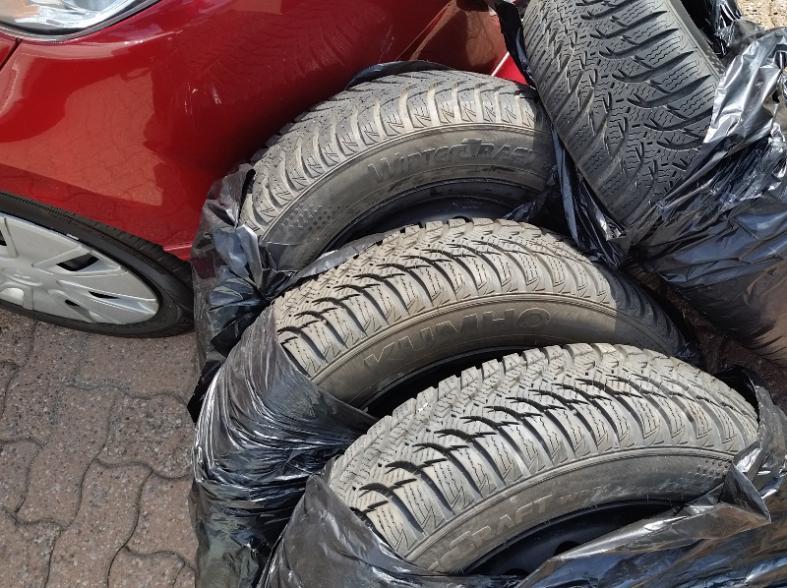 Name:  winter-tires-s.jpg Views: 116 Size:  99.5 KB